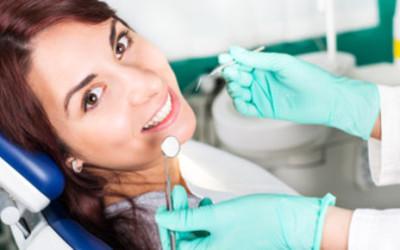 Parodontitída, skrytý nepriateľ vznikajúci zo zápalu ďasien