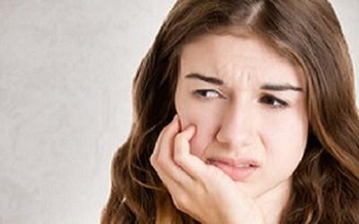 Trápia vás zápaly dutiny ústnej? Kyslík a morská soľ pomôžu!